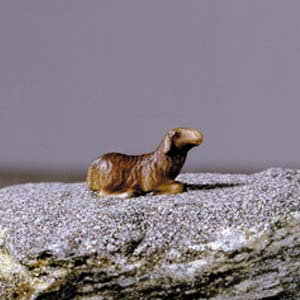 ANRI - Sheep lying brown - Vinzent nativity