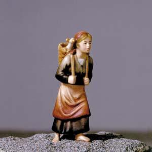 ANRI - Shepherdess with basket - Vinzent nativity